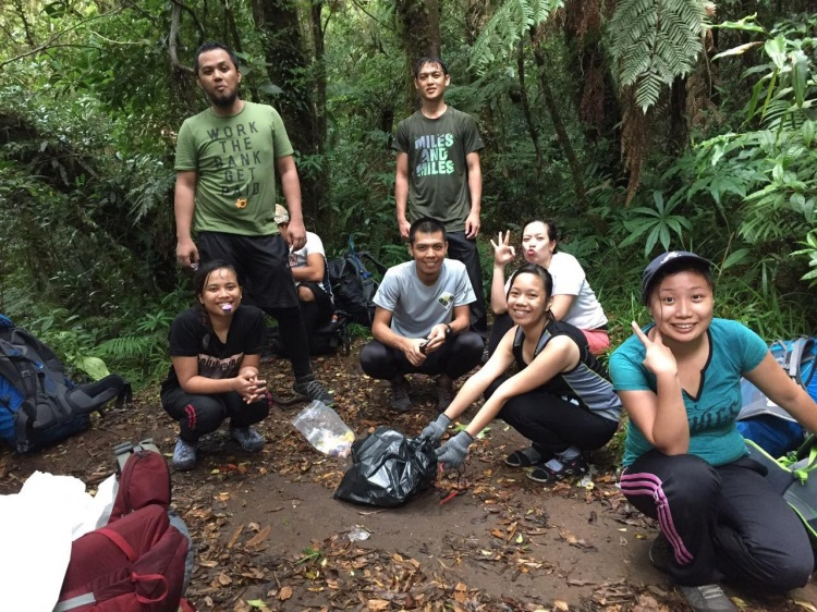 In one of the four camps we took a rest on our way up the summit. Darlene, Miguel, Angel, ako, Oli, Kai, and Kristel.